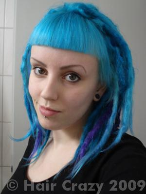 pinklikepussy using Directions Turquoise, Manic Panic Atomic Turquoise - 5th December 2009 2:15 p.m.