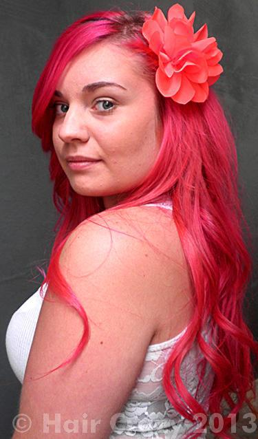 Nniikki using -, Pravana Red, Special Effects Atomic Pink - 25th May 2013 5:20 p.m.