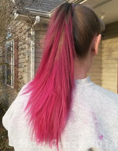 Jayce I Dyed The Ends Of My Mom S Hair Today It S A