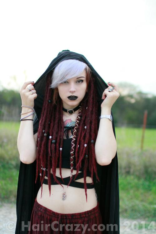eruth11 using Manic Panic Virgin Snow, Special Effects Burgundy Wine - 25th October 2014 5:58 p.m.