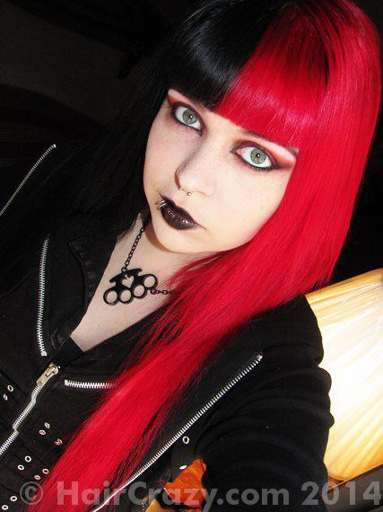 xchristinadeath using Manic Panic Vampire Red - 30th December 2014 6:04 a.m.