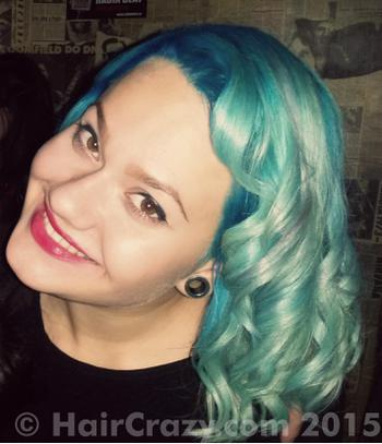 nikki_wildrose using Directions Turquoise - 15th March 2015 4:15 p.m.