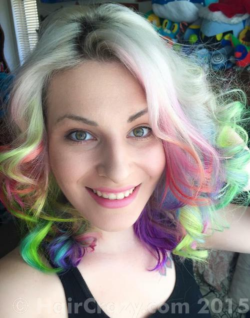 Lane using Pravana Blissful Blue, Pravana Magenta, Pravana Neon Yellow, Pravana Pink, Pravana Pretty in Pink, Pravana Silver, Pravana Too Cute Coral, Pravana Violet - 12th May 2015 4:47 p.m.