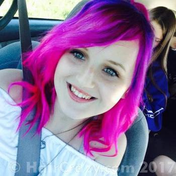 Kaitlyn-Moore15 using Manic Panic Hot Hot Pink - 31st August 2016 5:19 p.m.