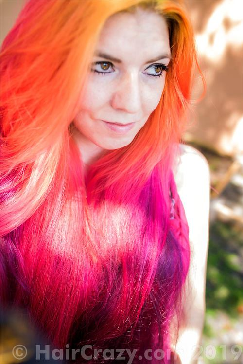 lizzy using Manic Panic Electric Banana, Manic Panic Psychedelic Sunset, Manic Panic Vampire Red, Special Effects Atomic Pink - 2nd July 2019 5:39 a.m.