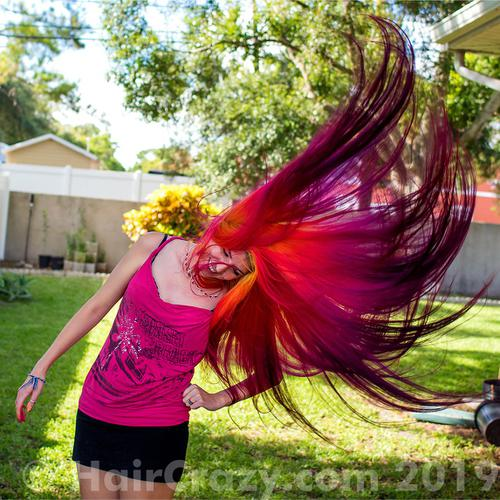 lizzy using Manic Panic Electric Banana, Manic Panic Psychedelic Sunset, Manic Panic Vampire Red, Special Effects Atomic Pink - 17th July 2019 5 a.m.