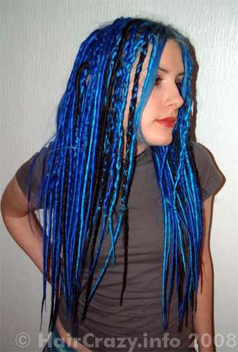 4 packs of Elysee Star dreads were used to create this look