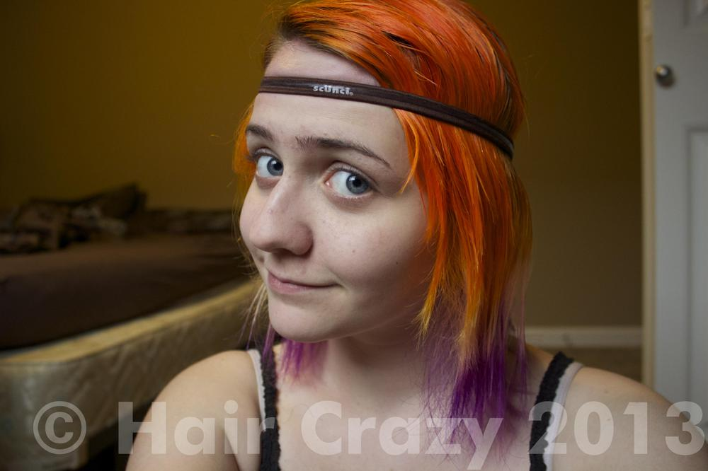 Put a headband on your head stretching from the upper middle part of your forehead to the lower middle section of the back of your head. This will affect where your curls begin. Note: Make sure your headband is loose. A tight headband will leave a red mark and may result in bruising.